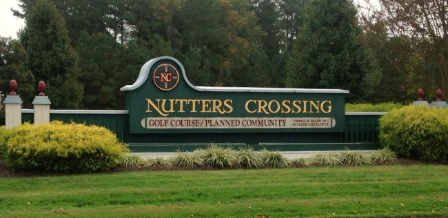 Entrance to Nutter's Crossing neighborhood in Salisbury Maryland