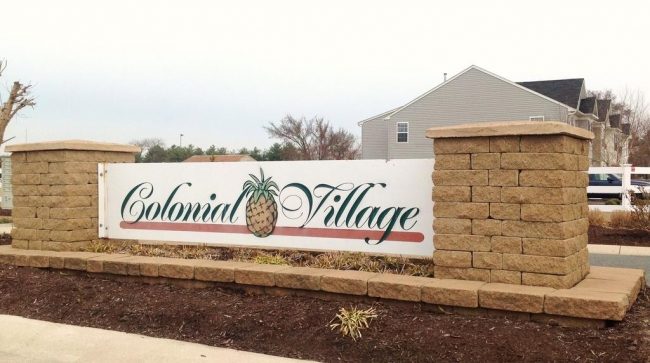 Colonial Village Entrance in Fruitland MD